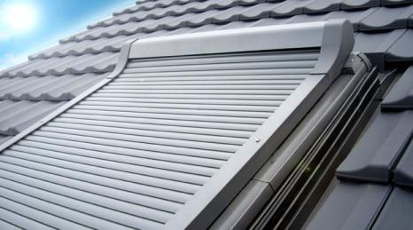 roto rolladen roto dachfensterrolladen dachfensterrolladen discount bei sonnenschutzshop24 ltd. Black Bedroom Furniture Sets. Home Design Ideas